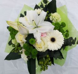 Hand tied Classic Cream and Green